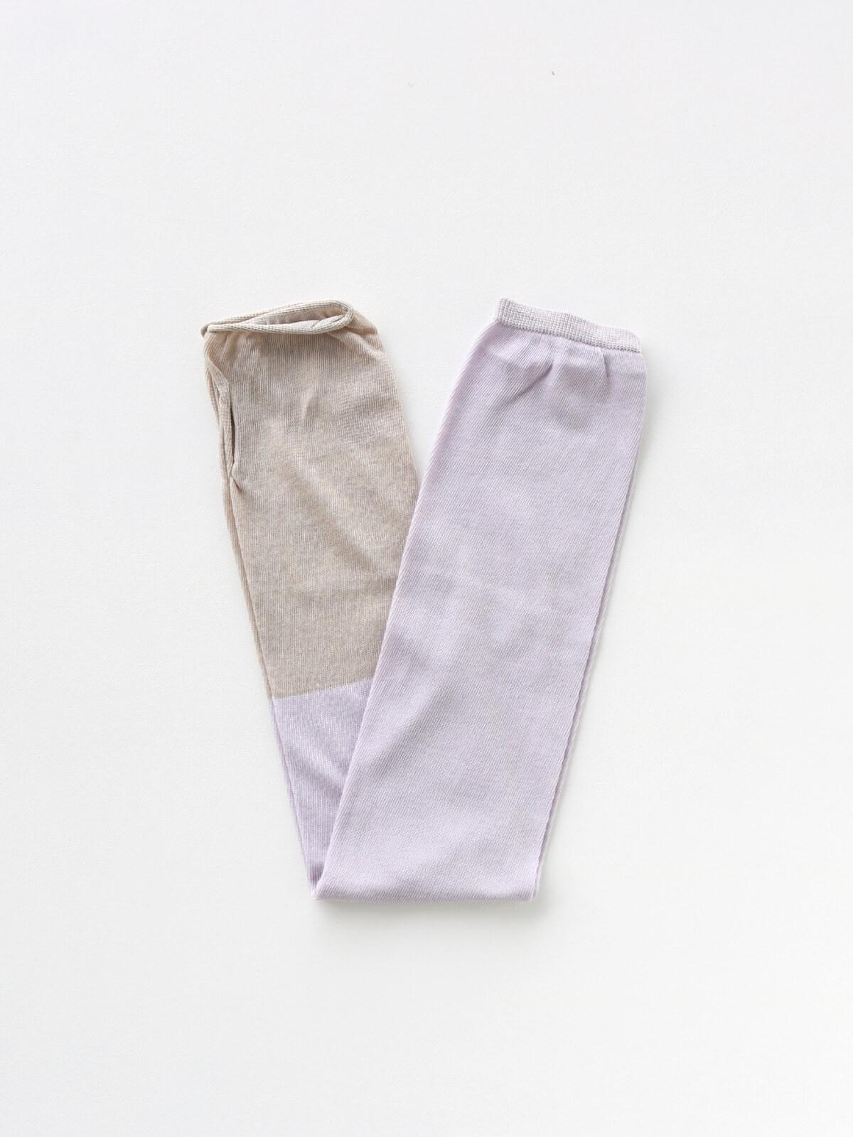 当たりつきギフト専用靴下のLUCKY SOCKS(ラッキーソックス)のSunscreen 2tone Armcover(サンスクリーン2トーンアームカバー)のペールグレープ×グレージュ_2