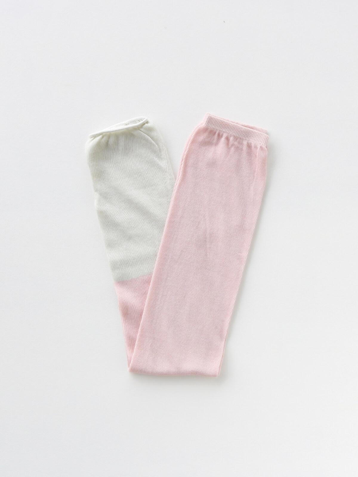当たりつきギフト専用靴下のLUCKY SOCKS(ラッキーソックス)のSunscreen 2tone Armcover(サンスクリーン2トーンアームカバー)のパウダーピーチ×ミスト_2