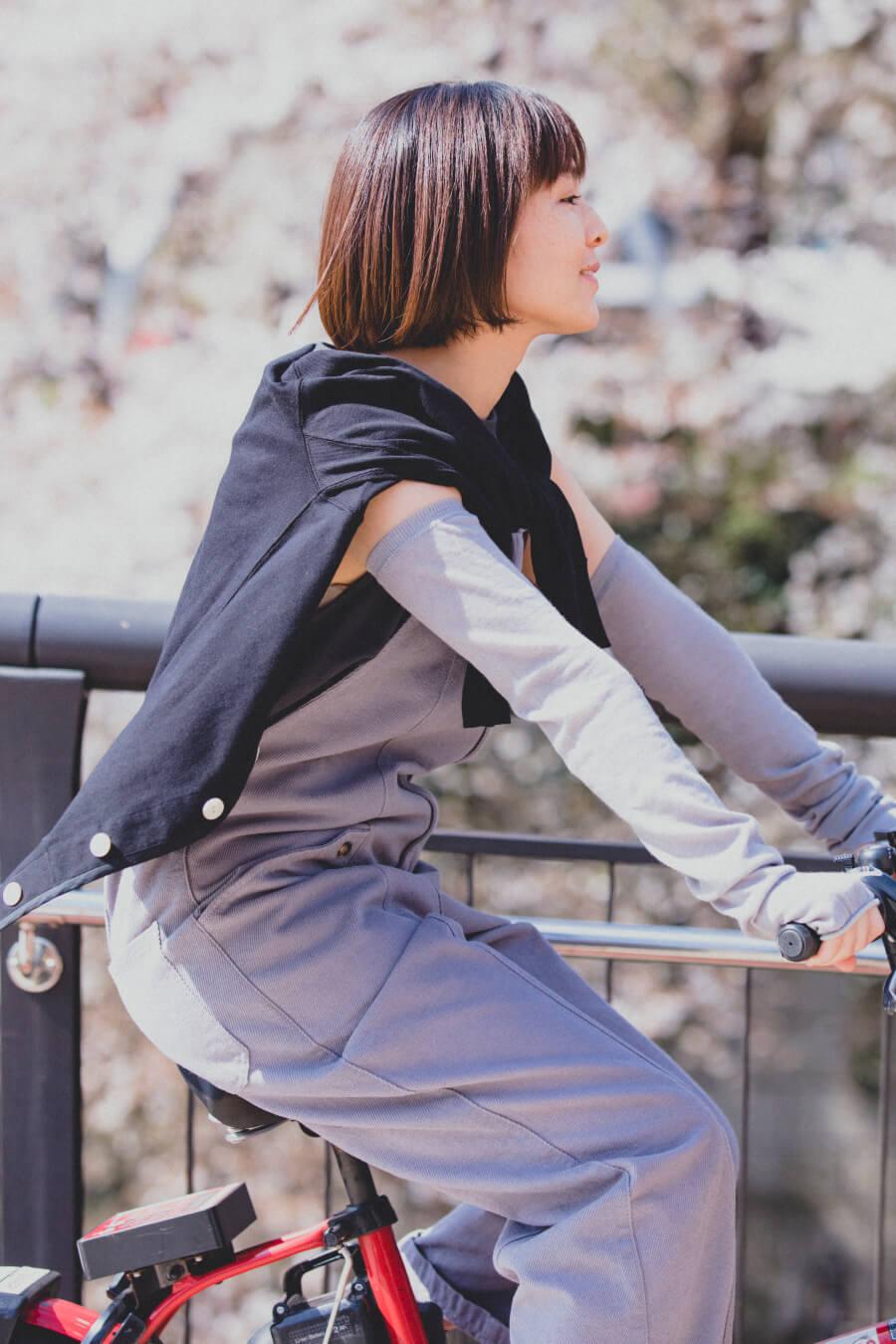 当たりつきギフト専用靴下のLUCKY SOCKS(ラッキーソックス)のSunscreen Plain Armcover(サンスクリーンプレーンアームカバー)のミディアムグレー_image1
